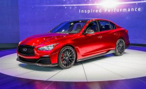 infiniti-q50-eau-rouge-photos